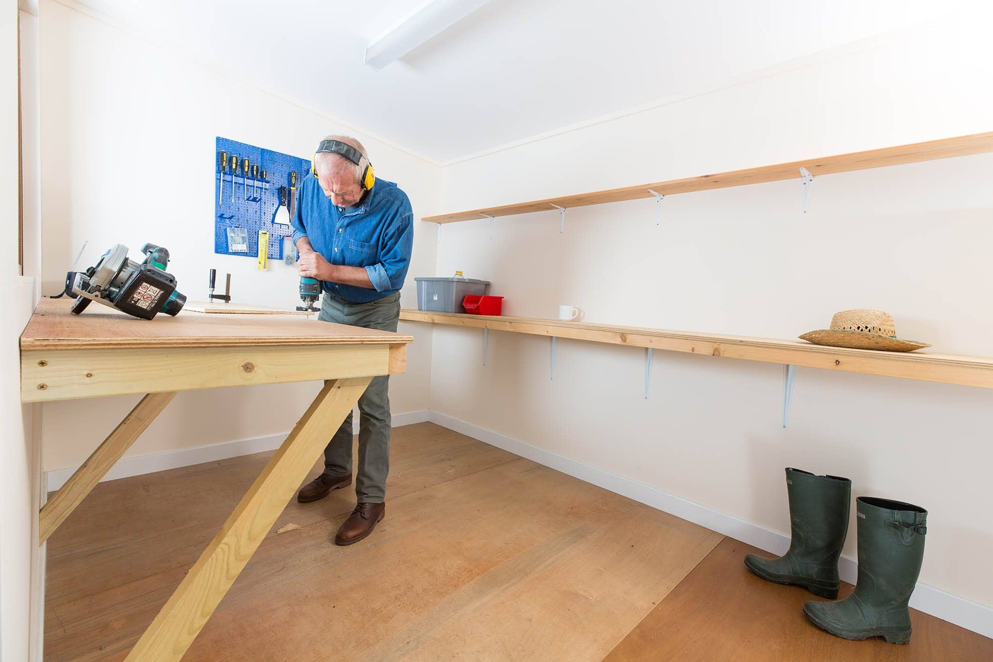 Add worktop and shelves to your workshop