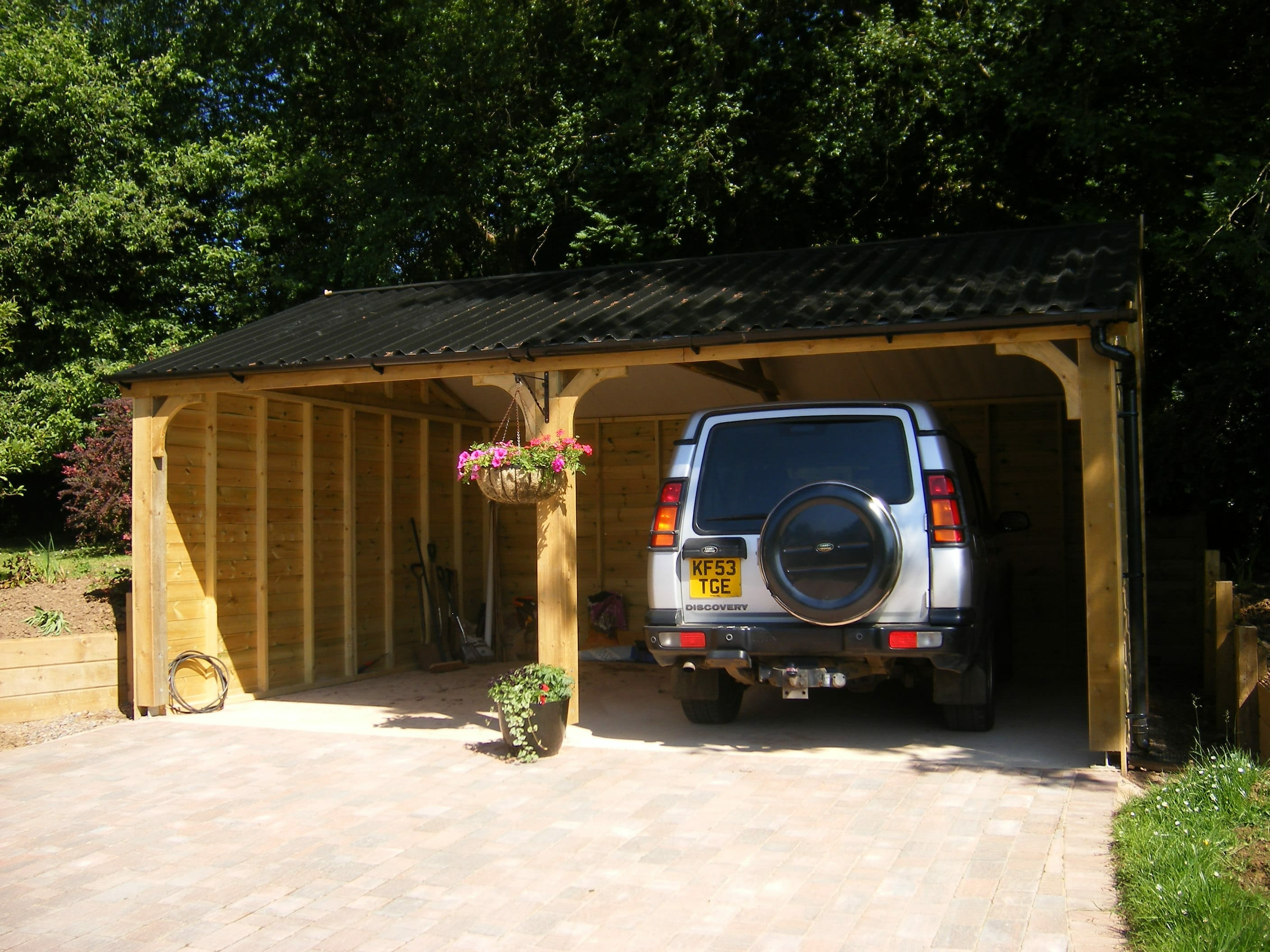 6m x 4.9m open fronted garage