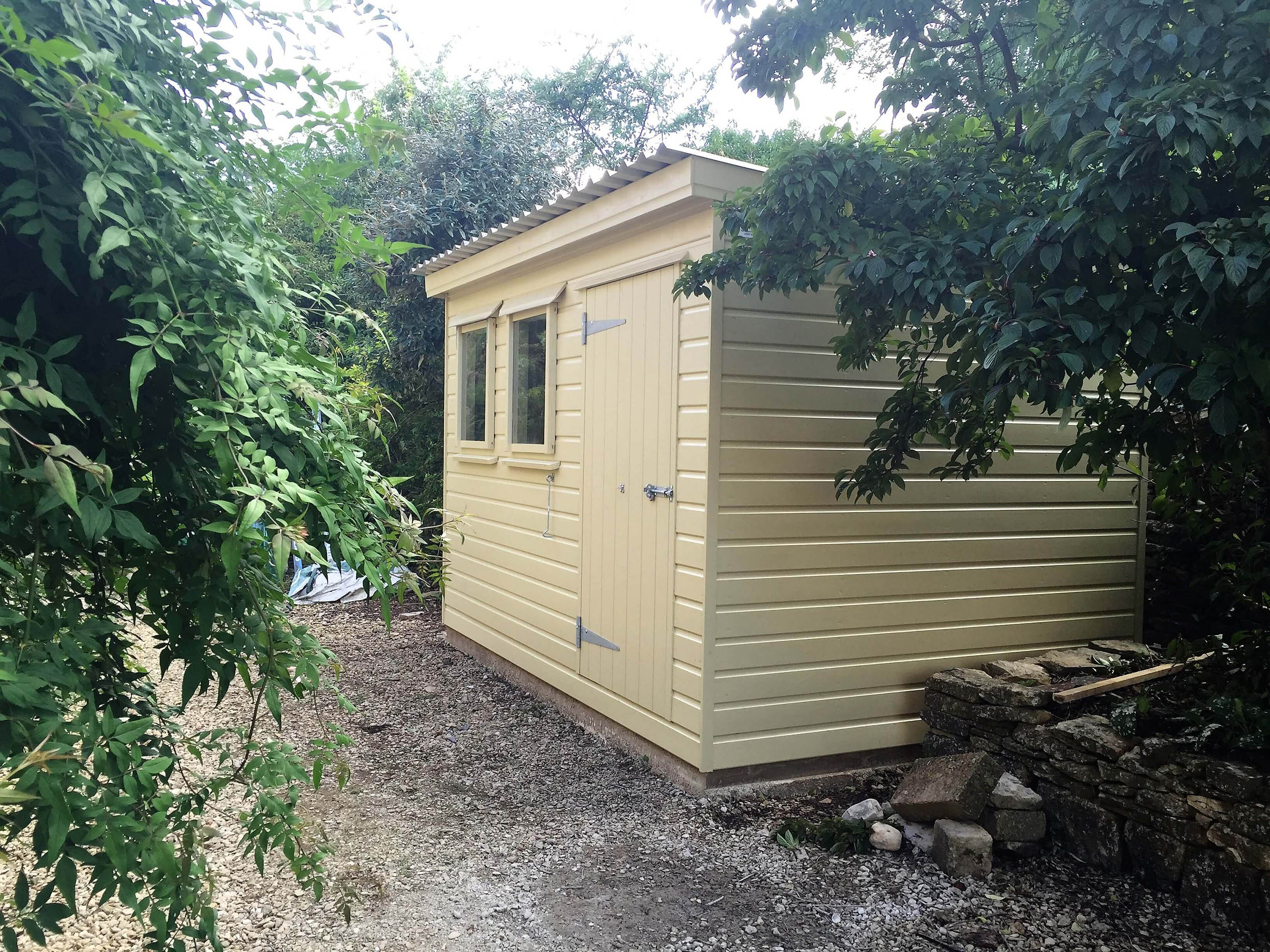 Painted garden shed pent corrugated roof