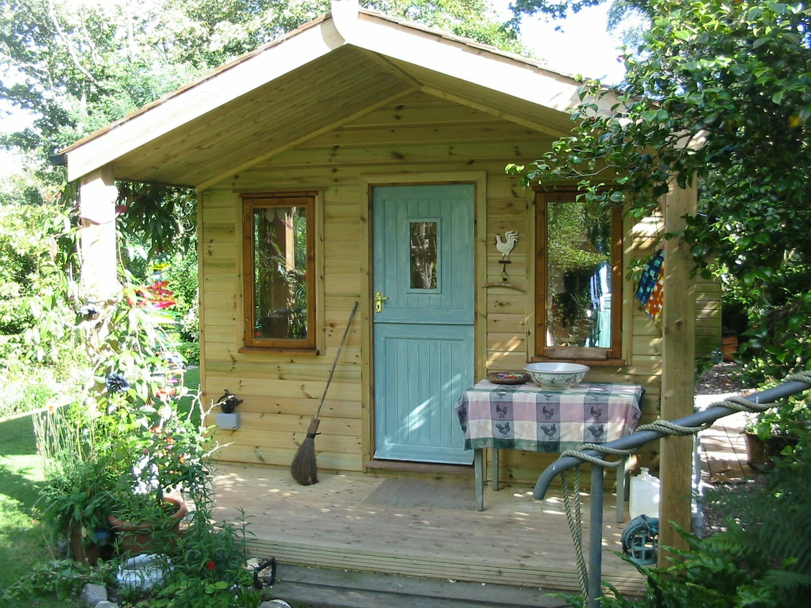 Summerhouse with stable door and portico