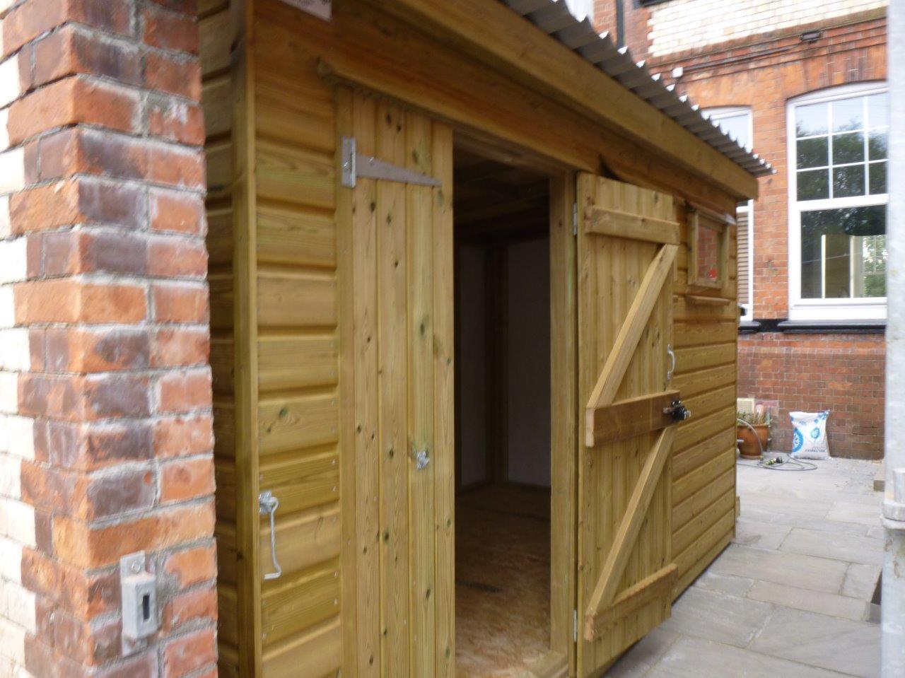 Narrow shed